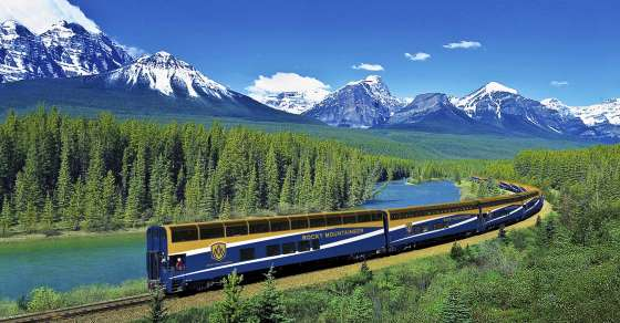 Rocky-mountaineer-banff