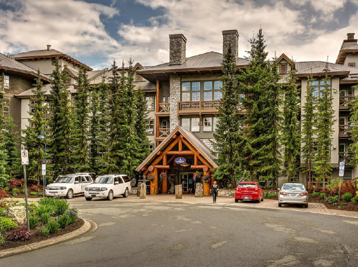 Canadian golf packages at Aava Whistler Hotel