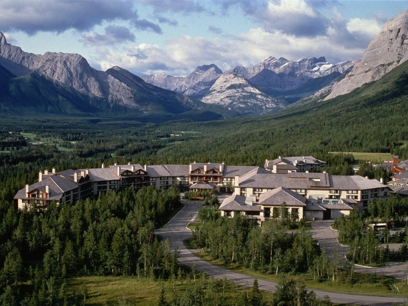 Golf Vacations at Pomeroy Kananaskis Mountain Lodge
